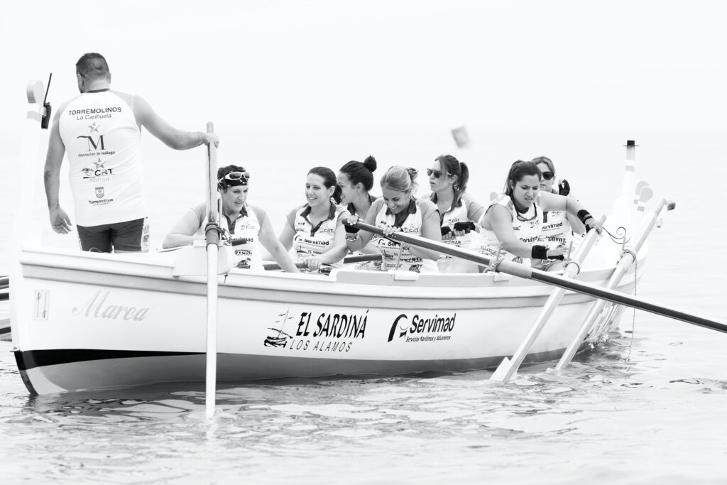 Rowing team in misalignment